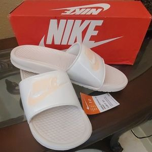 Nike Womens Benasso Just Do It Sandals size 10
